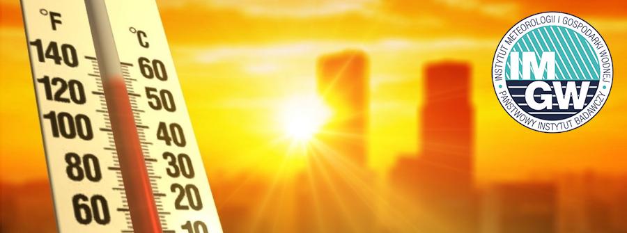 W tle miasto i ostre słońce przebijające się między blokami. Po lewej termometr wskazujący temperaturę powyżej 50 stopni. Po prawej stronie na górze logo IMGW.